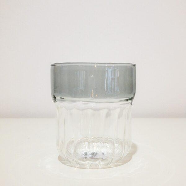 "Trinkglas ""Grau"" von ""Orion Qubo"""