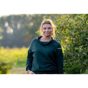 "Oversized Sweatshirt ""Darkest Green"" von wunderdinge"